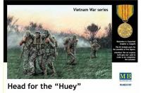 Серия Вьетнамская война: Head of the Huey (MASTER BOX 35107) 1/35
