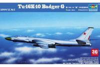 Ту-16к-10 Badger C (Trumpeter 03908) 1/144